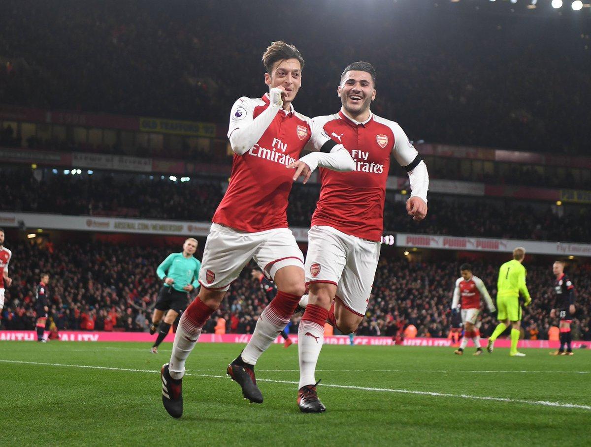 Emirates đã trở thành pháo đài cho Arsenal