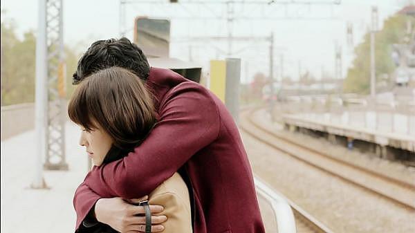 Thích kiểm soát kiểu người đàn ông không mang lại hạnh phúc cho bạn trong tình yêu