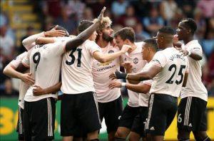 M.U vượt qua khủng hoảng sau chiến thắng 2-0 trước Burnley