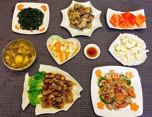 """Các mẹ Việt """"thở phào"""" khi công nghệ cao vào bữa cơm gia đình"""