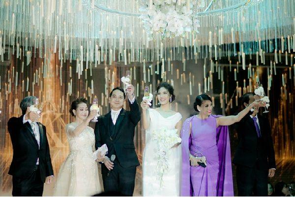 Tiệc cưới của Lan Khuê có sự góp mặt của nhiều Sao Việt