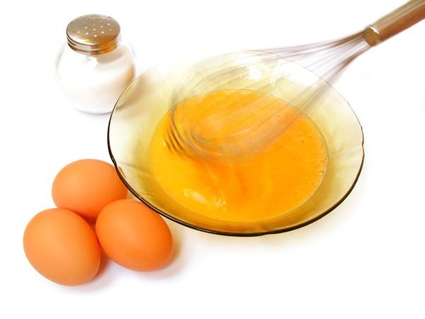 Dưỡng da hiệu quả từ mặt nạ trứng gà mật ong