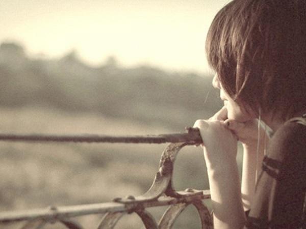 Những cô gái yêu đơn phương, nên chờ đợi hay buông bỏ