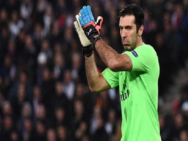 Thủ thành Buffon chia tay PSG sau một năm gắn bó