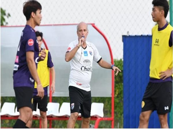 Bóng đá Thái Lan rớt giá thảm hại