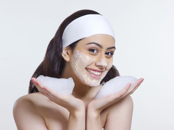 Cách chăm sóc da mặt hàng ngày và những điều cần lưu ý