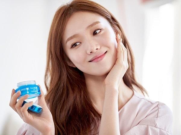 Học người Hàn Quốc cách dưỡng da hàng ngày với 7 bước cơ bản