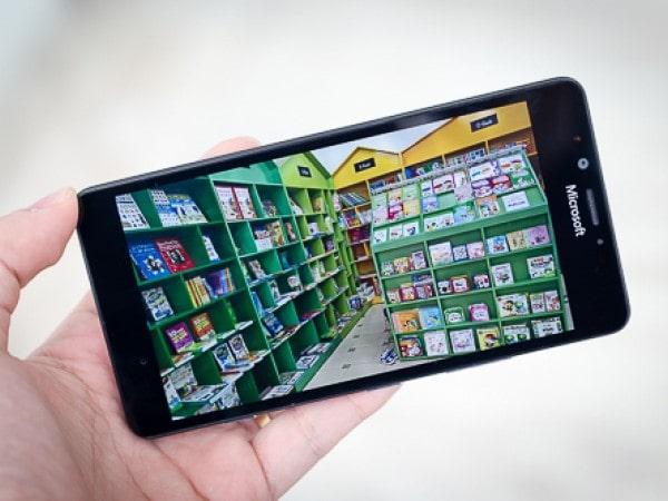 Đánh giá Lumia 950: Thiết kế tạm ổn, camera đẳng cấp