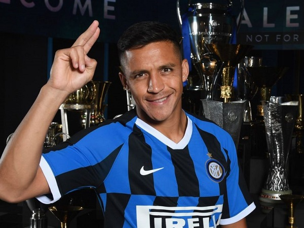 Người cũ MU chỉ trích động thái đẩy Sanchez sang Inter
