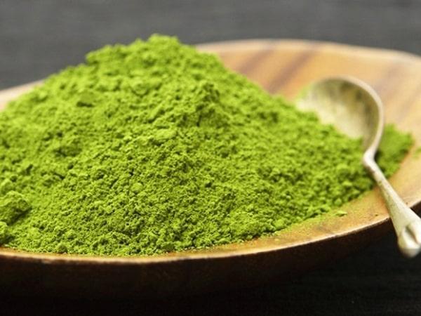 Mách nàng cách làm bột trà xanh đắp mặt siêu đơn giản