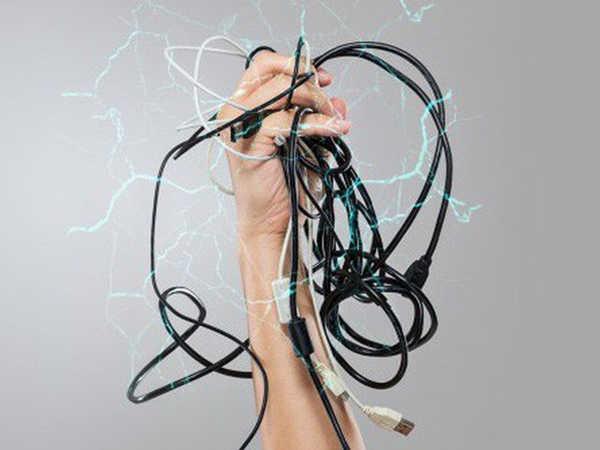 Mơ thấy bị điện giật là điềm hung hay cát, đánh con số nào phát tài?