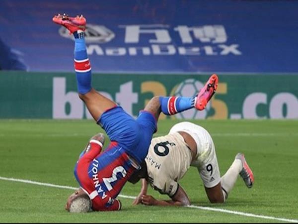 Tin bóng đá Anh ngày 17/7: Palace chấn thương khi cản Martial ghi bàn