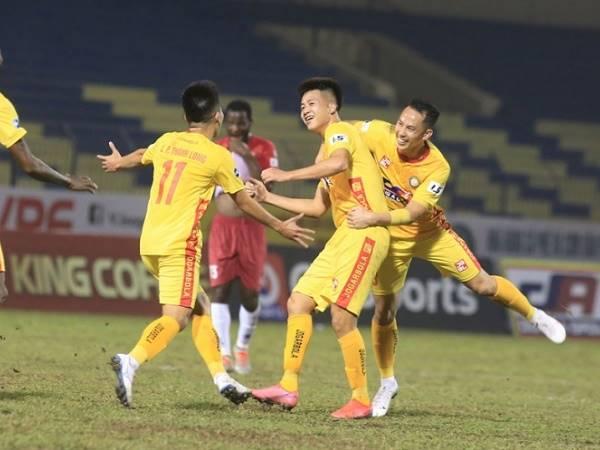 Bóng đá Việt Nam sáng 1/2: HLV Petrovic chỉ ra cầu thủ hay nhất Thanh Hóa