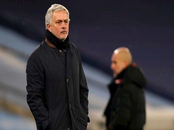 Tin bóng đá sáng 18/2: Tottenham khó lòng sa thải Mourinho