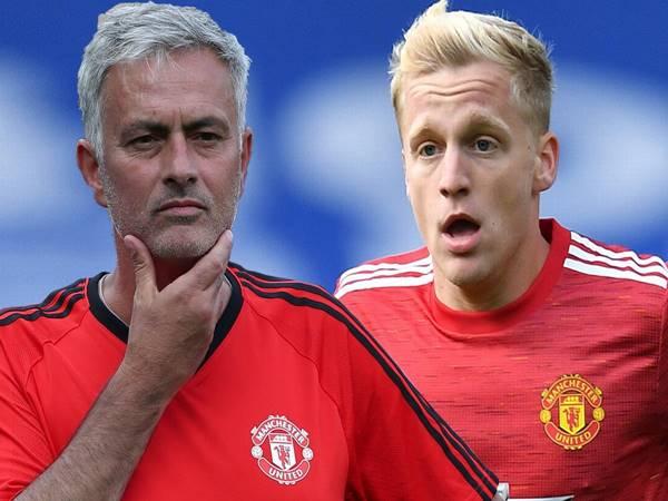 Tin chuyển nhượng 13/10: Mourinho có thể là lối thoát cho Van de Beek